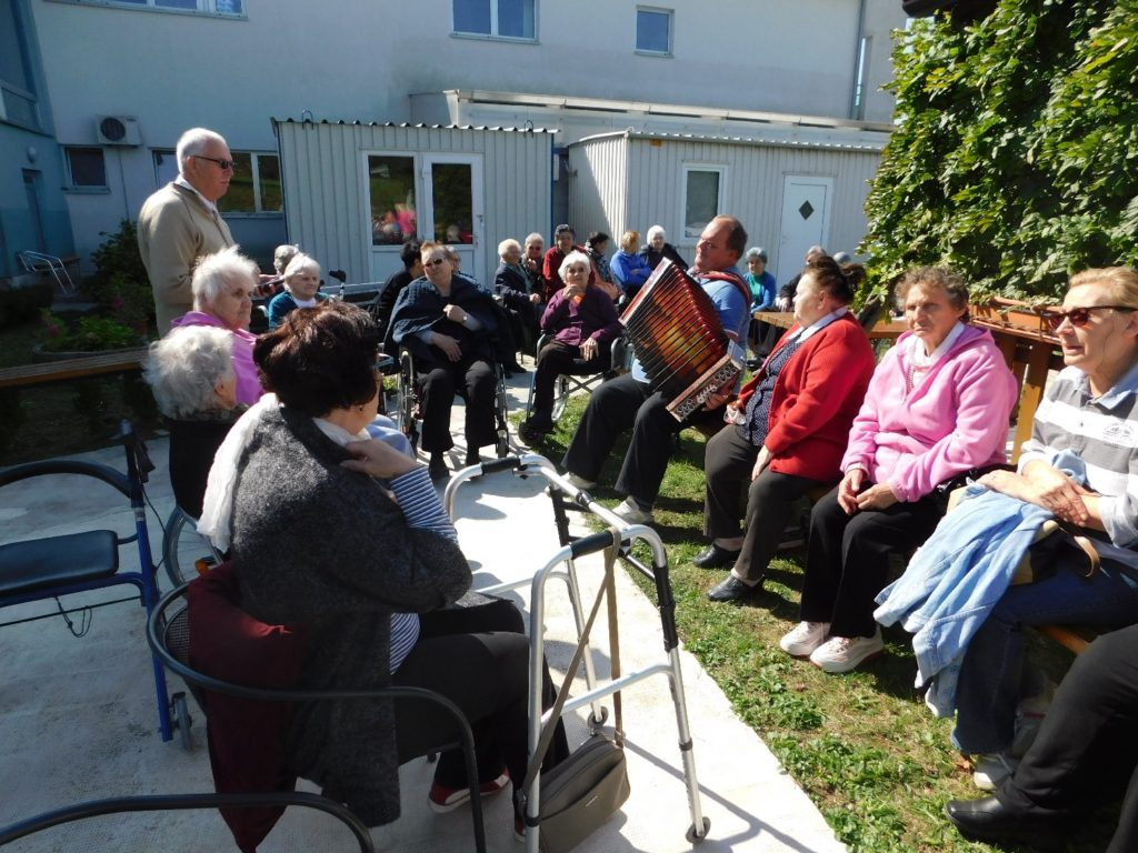 glazbena dan starijih